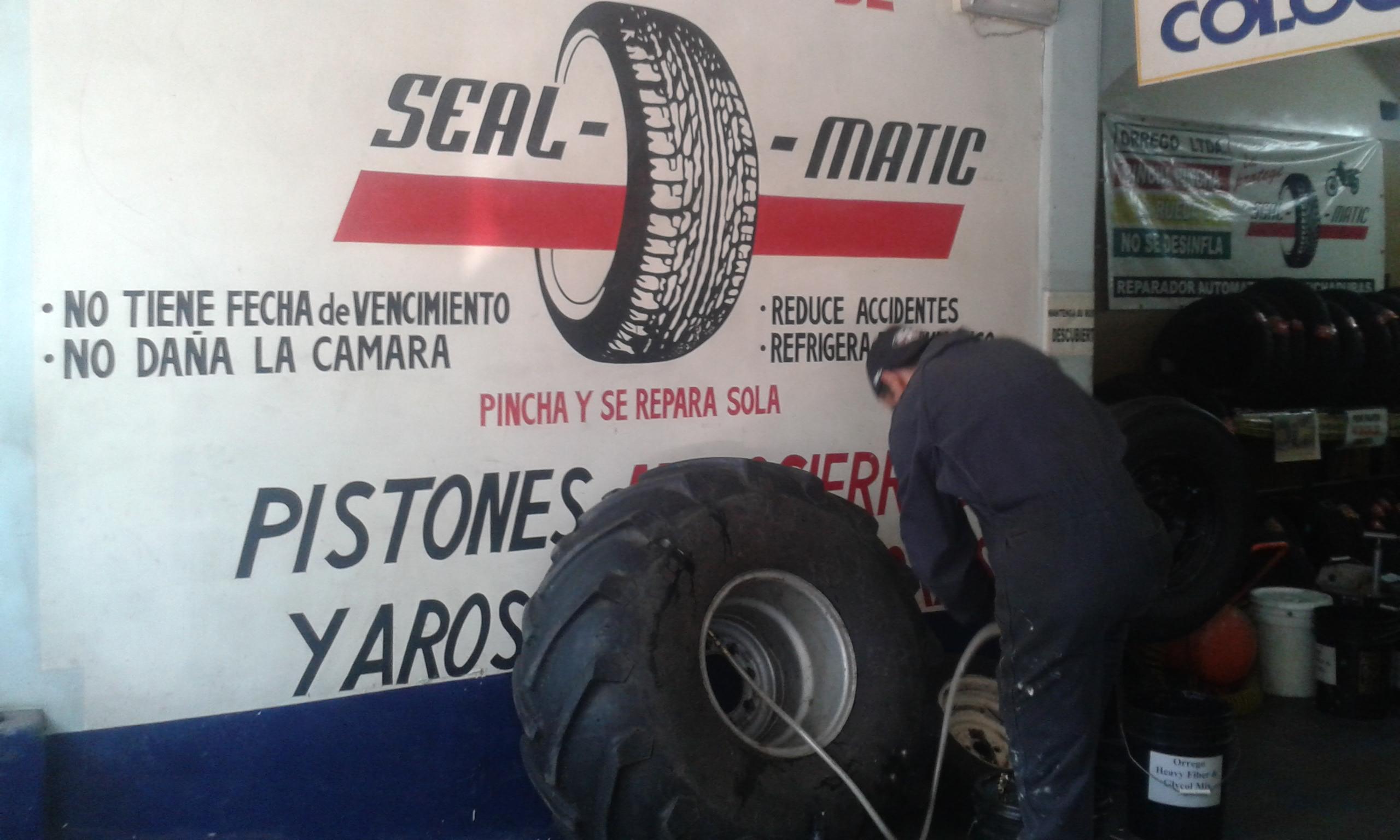 Rueda de tractor (con agua) que vino pinchada Diciembre 2014